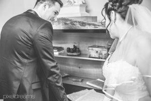 Ehevertrag-Schloss-Hochzeitsreportage-Brautkleid-Hochzeitsvideograf-Hohenlimburg-Koeln-Braut-Schloss.jpg