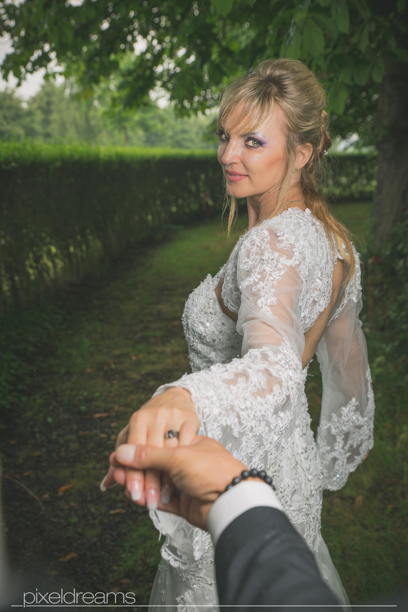 Hochzeitsfotograf-Swisttal-Hochzeitsfotos-Trauring-Braut-Braeutigam