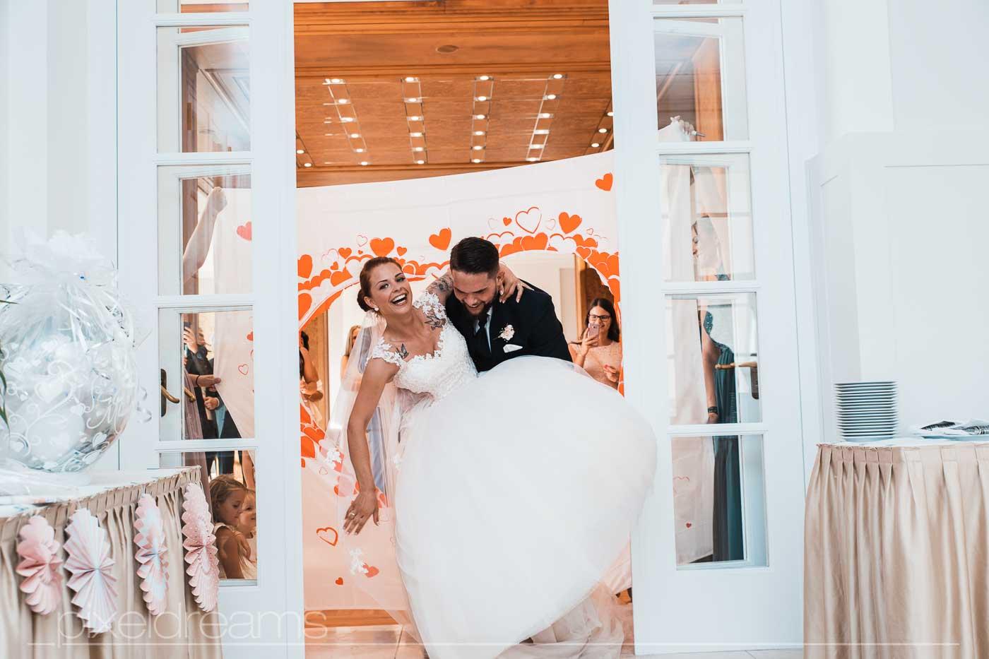Polnische Hochzeit Hochzeitsfotograf fotografiert polnisches Brautpaar
