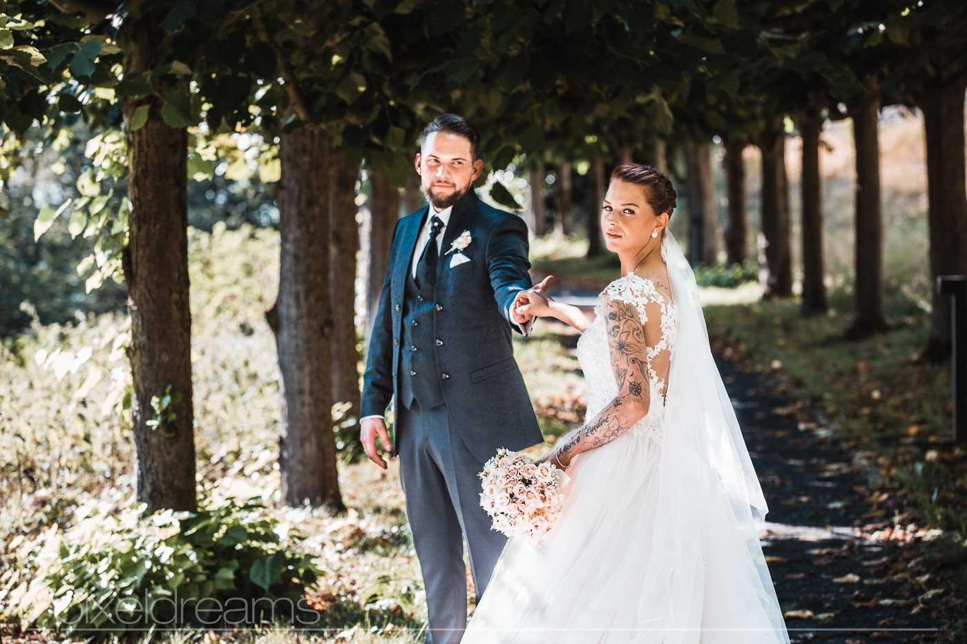 Steigenberger Grand-Hotel. Hochzeitsfoto vom Brautpaar.